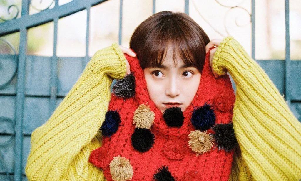 她叫韩玖诺,双鱼座,身高166,演员歌手,毕业于北京电影学院