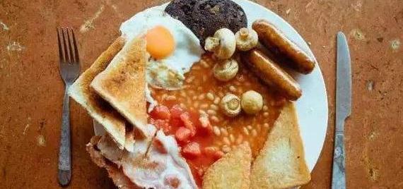 """英国人早餐仪式感,午餐简洁,晚餐丰盛,却被称""""美食沙漠""""?"""