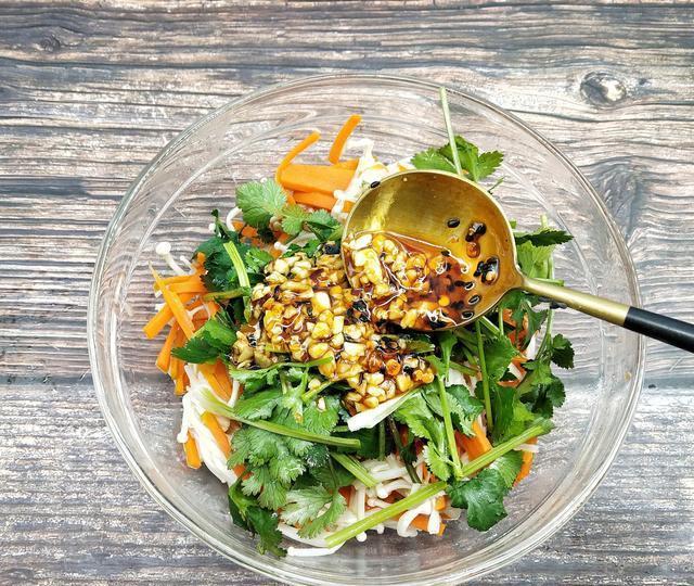 它的维生素A是大白菜的16倍,白萝卜的229倍,还能保护孩子视力