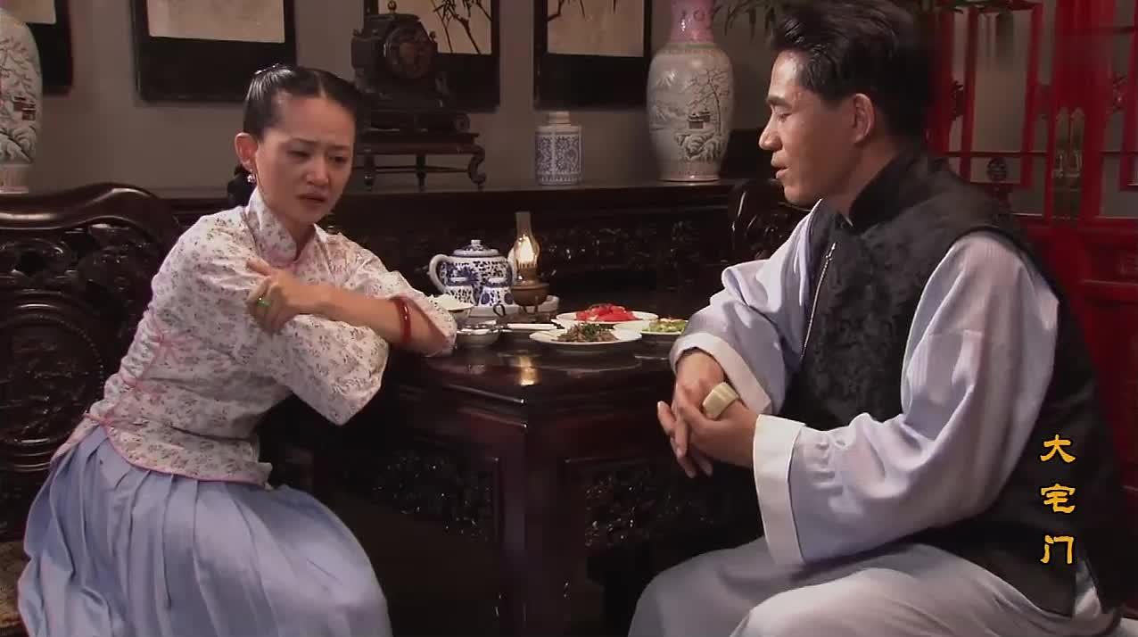 大宅门:佳莉竟被二奶奶养成这种不孝女,对亲娘杨九红简直太狠心
