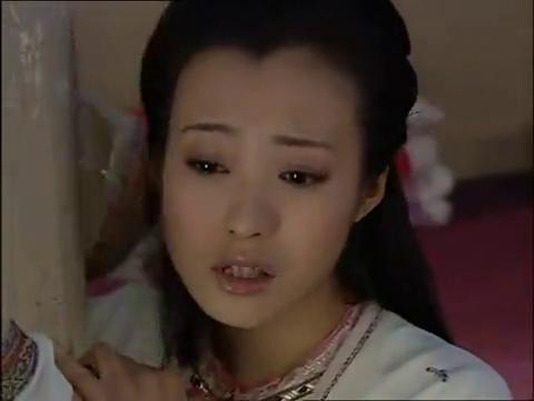 少年天子:皇后为掩盖罪行,哭求太妃不要说出去,两人结成同盟
