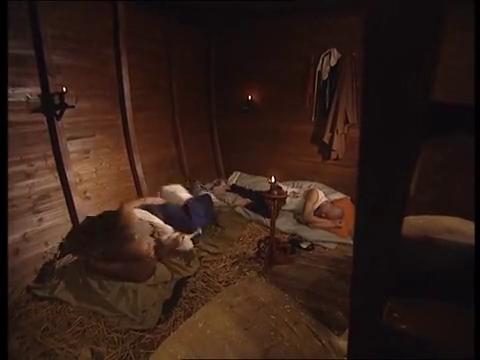 小和尚半夜尿急,表弟传授他憋尿秘方,竟是一根绳子,太损了