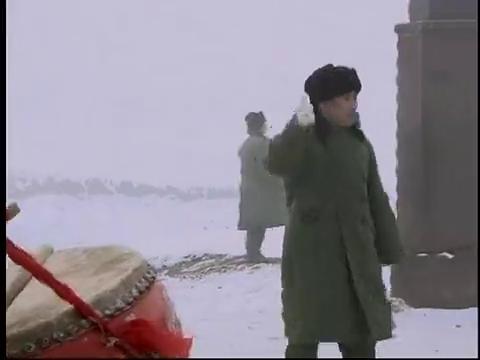 在那遥远的地方:韦铁来慰问战士,看吕强积极的博表现