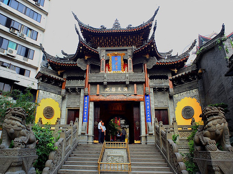 """重庆又一""""良心""""寺庙火了,香火旺盛,受本地人喜爱,就在渝中区"""