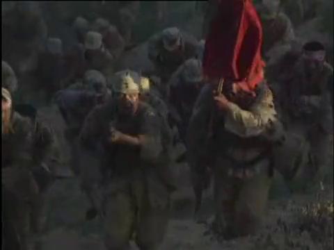 影视:孟良崮战役结束,粟裕拿起张灵甫的勋章扔进了张灵甫棺材里