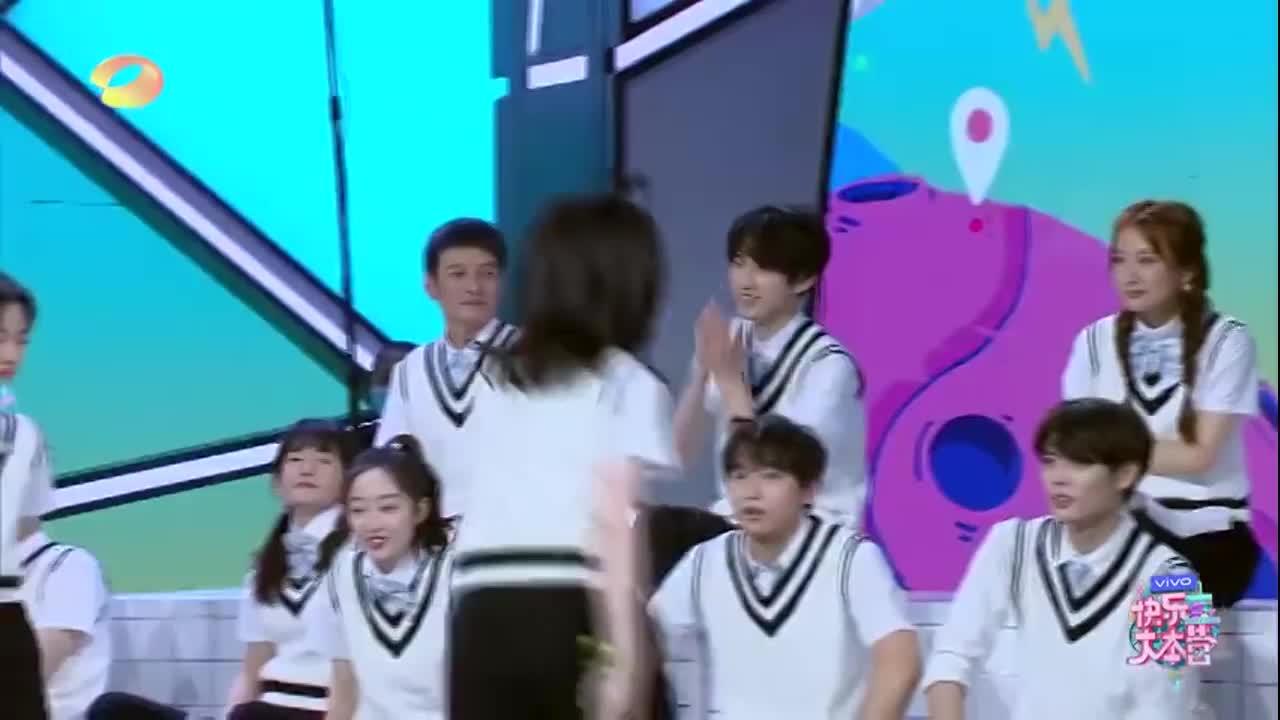 快乐:被文艺长相选中的郭俊辰,分享汇演的校园生活,致青春!