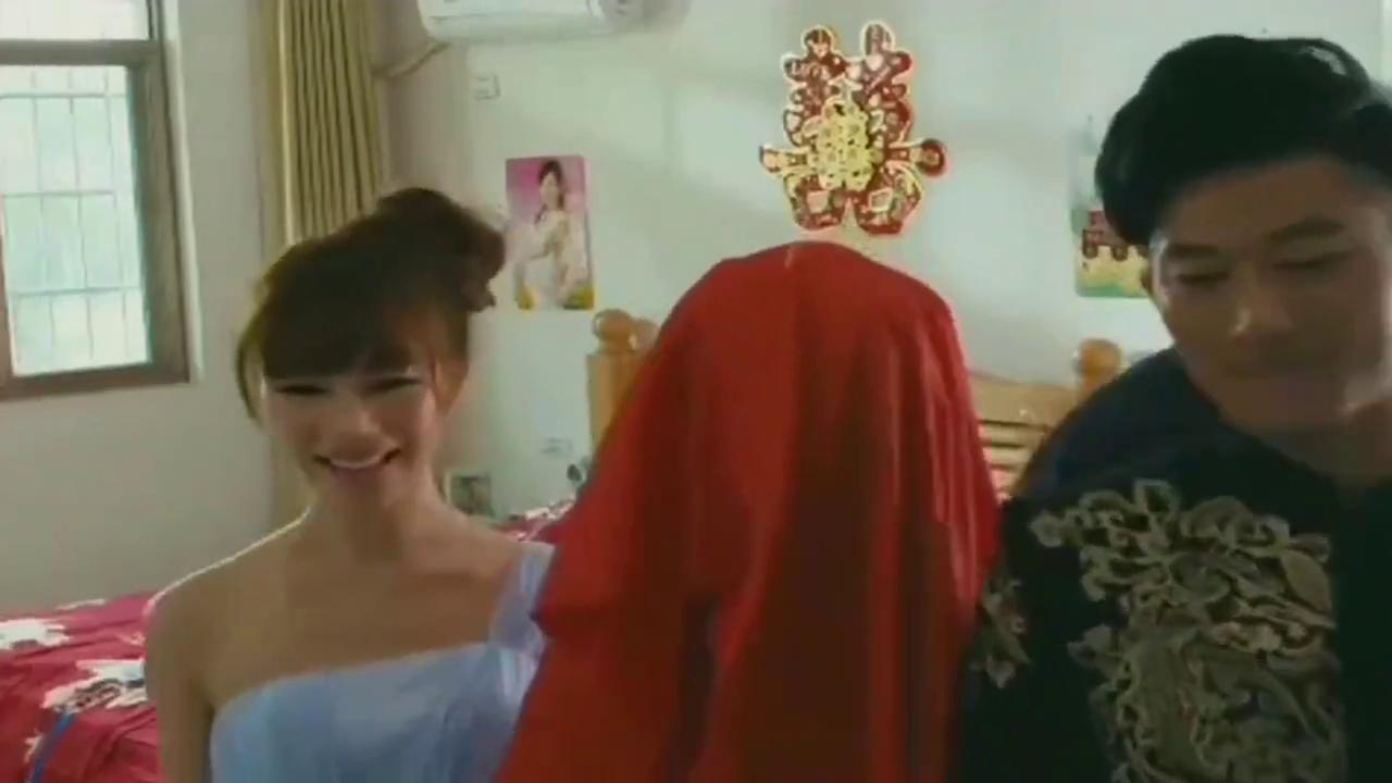 小伙娶了一个貌美如花的妻子,当他揭开红盖头时,却傻眼了