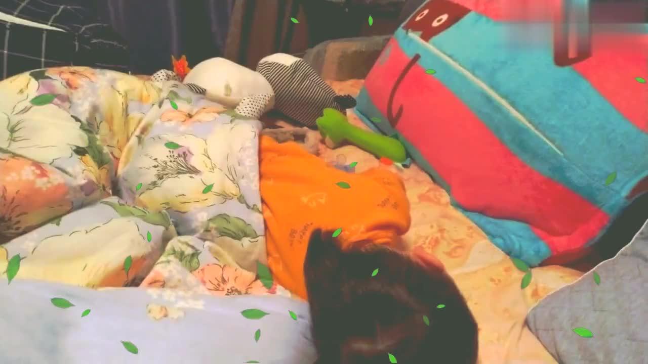 八个月宝宝每晚醒来就开始哭,母乳喂养太难,苦了孩子累了妈