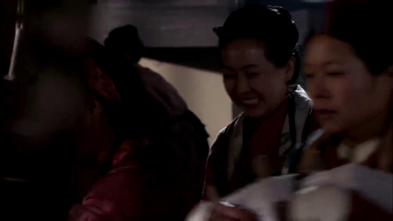 在织女和天梭的帮助下,一晚上织出了50匹丝绸,而且生意全被包了