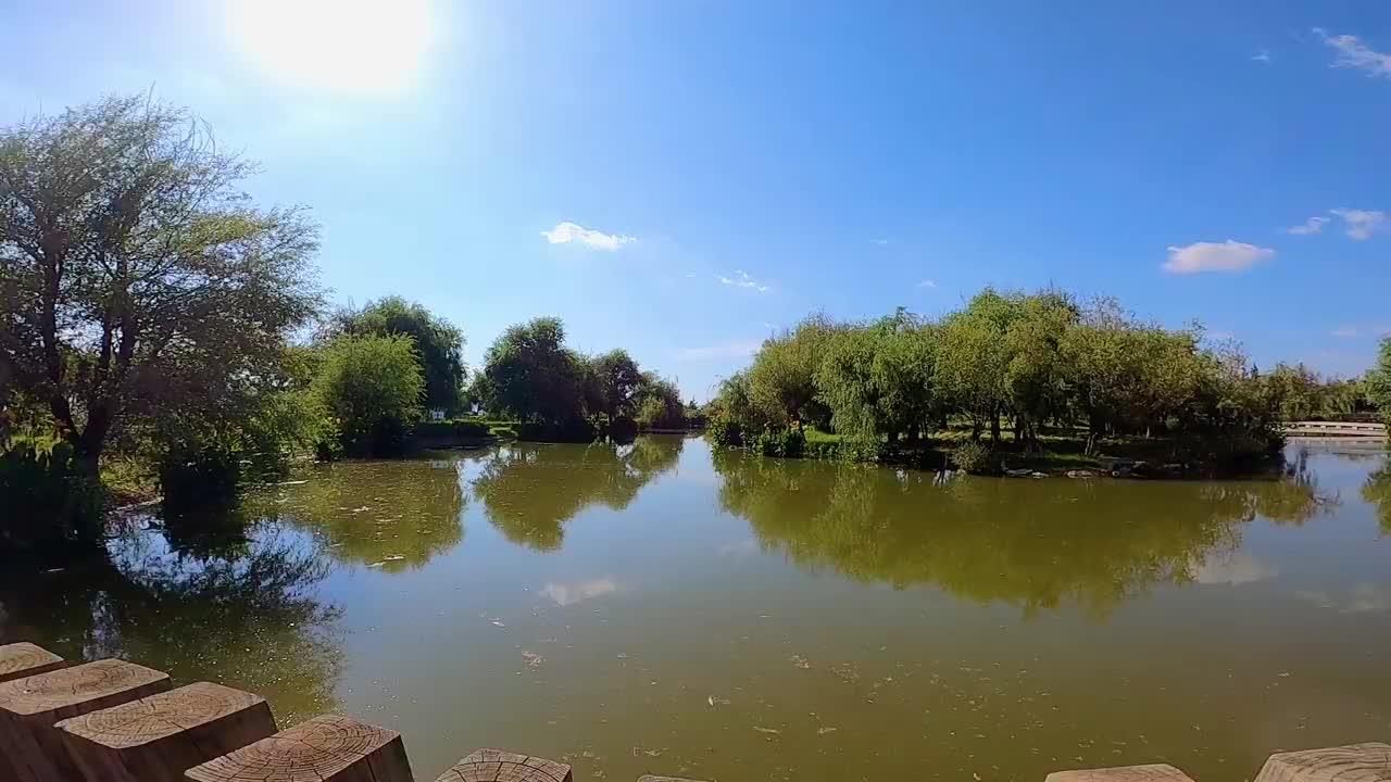兴致勃勃的来滇池吹风,没想到却在施工,根本到不了滇池旁边!