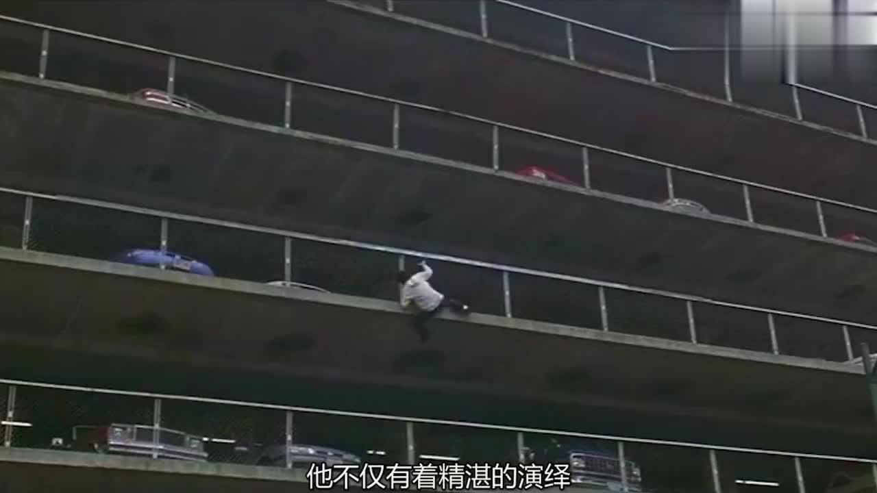 """成龙被圈内人称""""拼命三郎"""",曾拍戏意外溺水,想成为巅峰传奇!"""