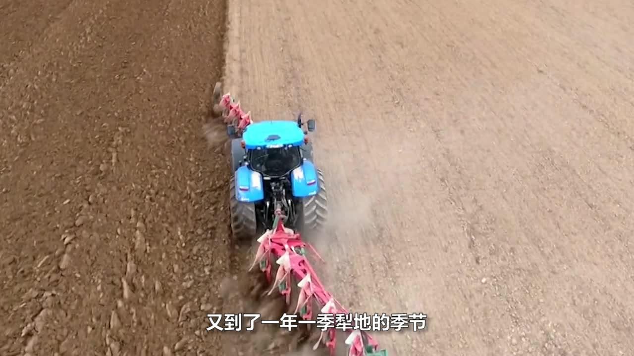 70岁老大爷发明高效犁地机,不用油不用电,一天可以犁5亩地