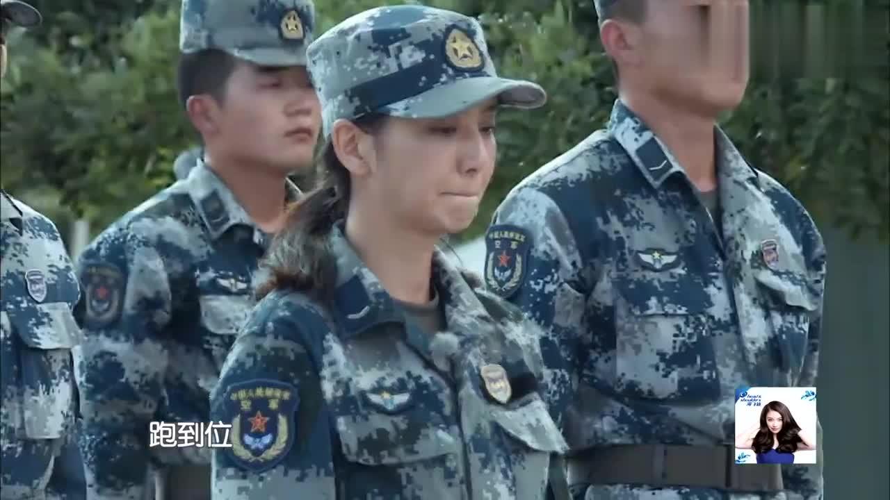 真正男子汉:佟丽娅拖全营后腿,被教官训哭,杨幂的眼神成为亮点