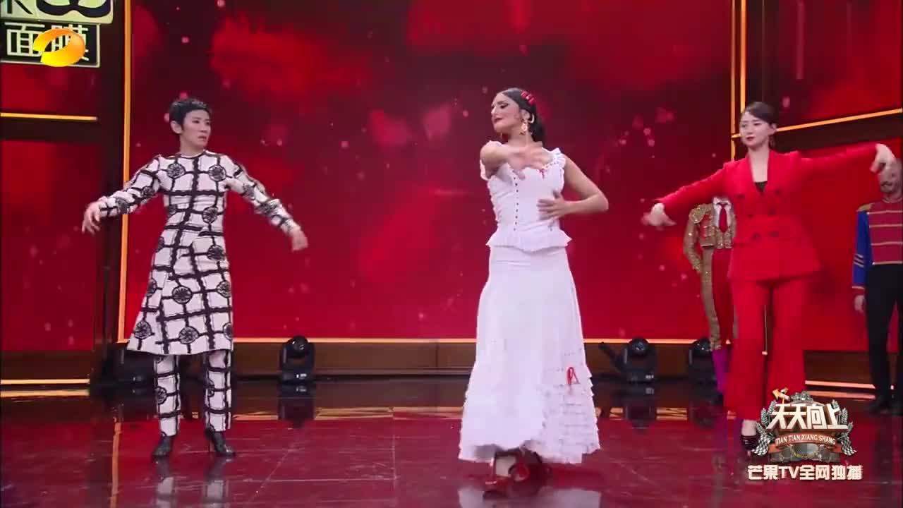 翁虹吴君如学跳《卡门》舞,翁虹跳得太美了吧,不愧是学过舞蹈的