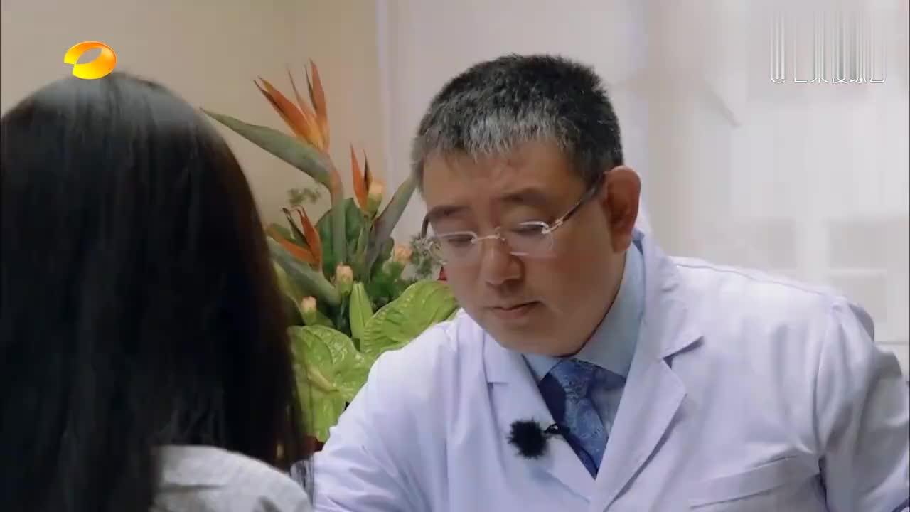 中医为向佐把脉结果令人担心,郭碧婷超紧张,向太连坐都坐不住了