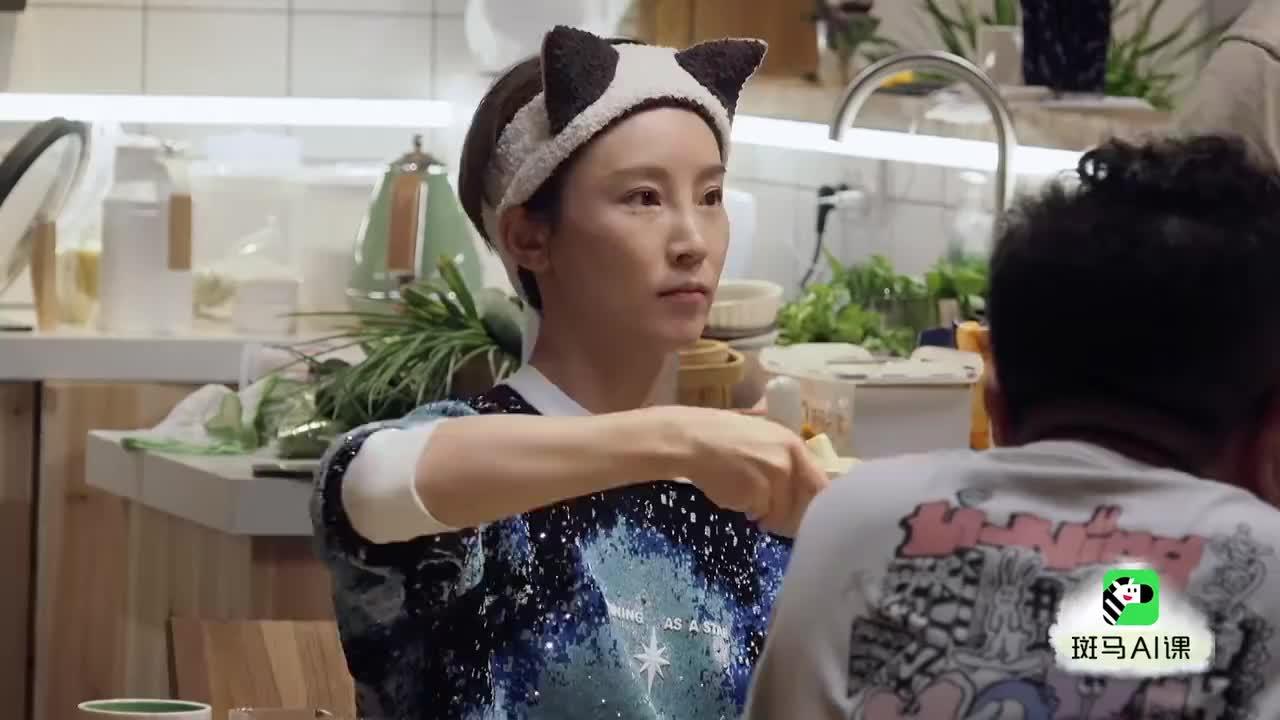 奚梦瑶:应该像谢楠学习少吃一点,何猷君:你这么漂亮不需要
