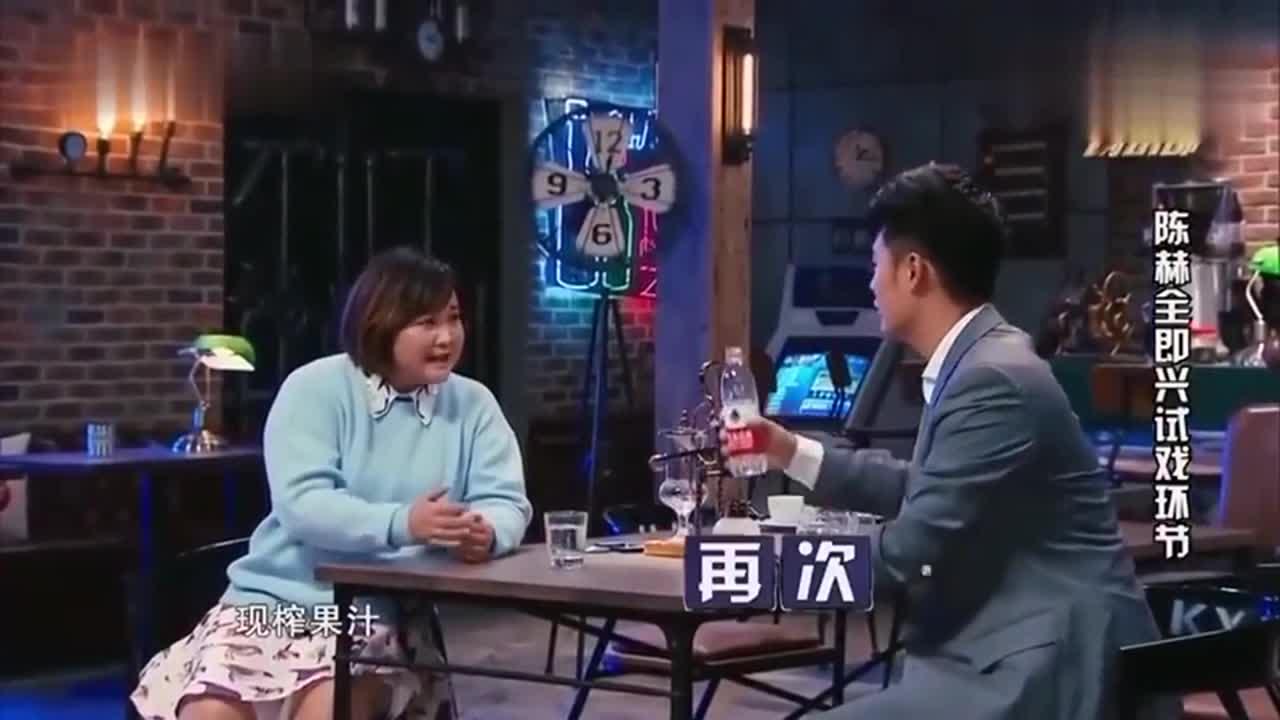 贾玲只喝现榨果汁,陈赫直接用手捏碎橙子,好机智
