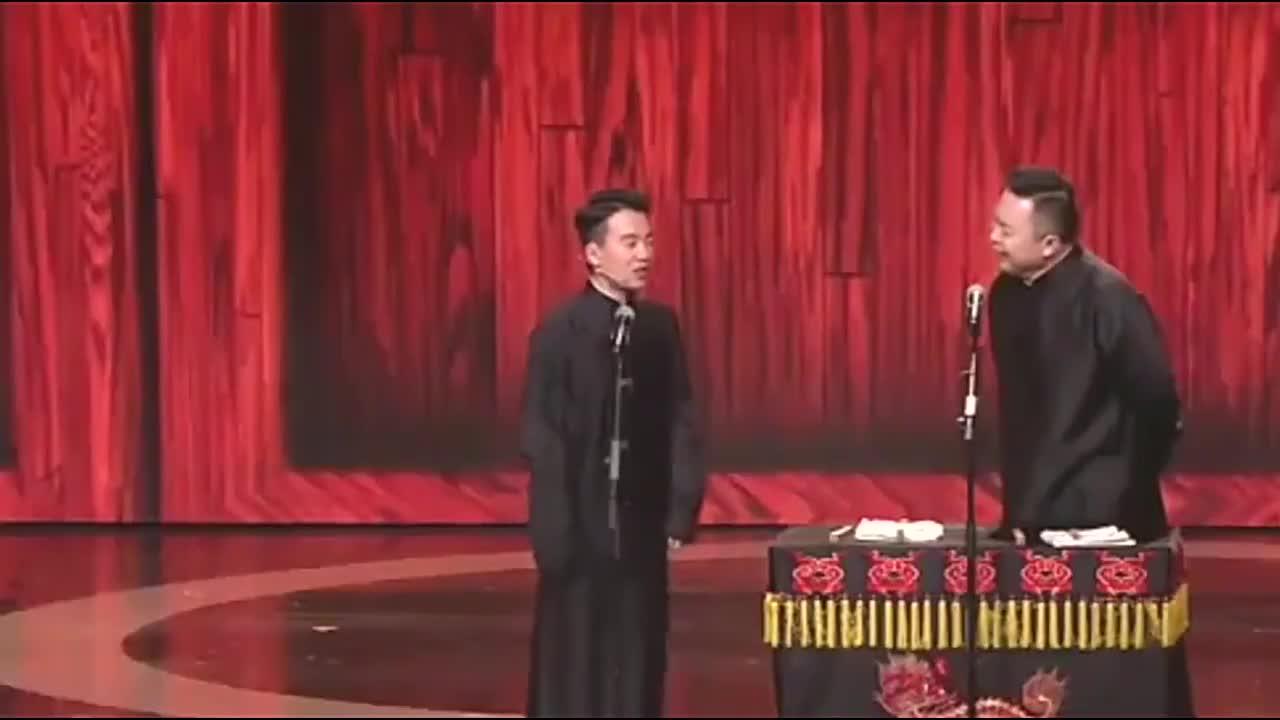 郭麒麟闫鹤翔说相声,满屏笑点趣味横生,幽默段子逗笑全场观众