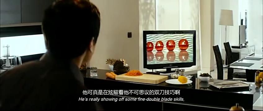 厨神电视中看着一晗的手艺脸上慈爱不断,网友说血浓于水