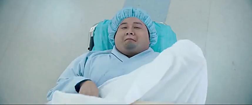 胖子行动队:文章和孕妇被调换了,准备剖腹产!