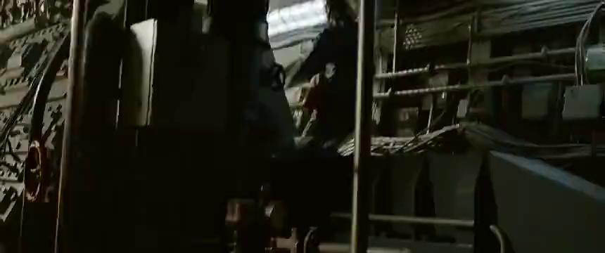 最新战争片,俄罗斯核潜艇鱼雷舱连续爆炸,里面的水兵遭灭顶之灾