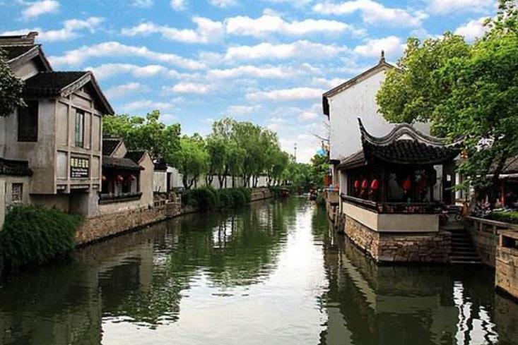 """江苏有座古镇,人称苏州""""小上海"""",风光秀丽不输周庄"""