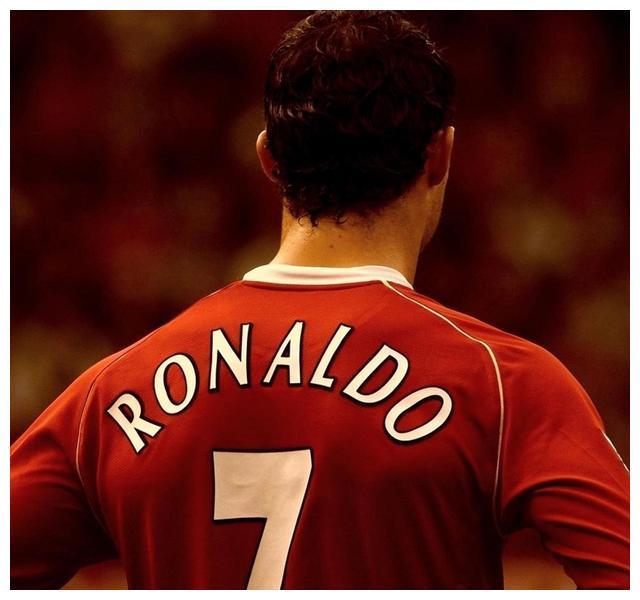 为何曼联曾经能成为世界足坛的一流球队,与他关系很大!