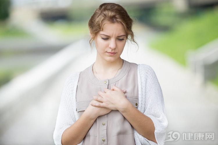 女人有癌,身体先知!提醒:若有3种异常出现,癌细胞可能入侵