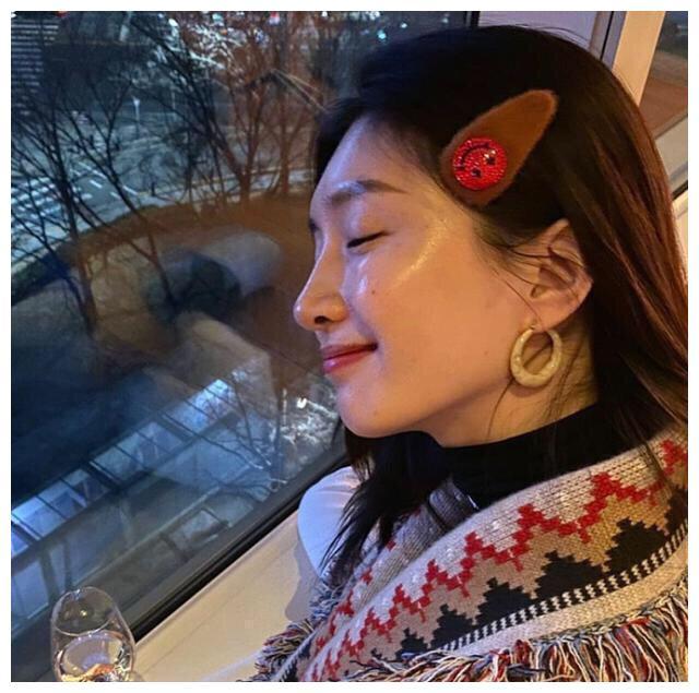 江疏影与网红国外跨年,晒韩式风格穿搭,网友:感觉完胜泫雅