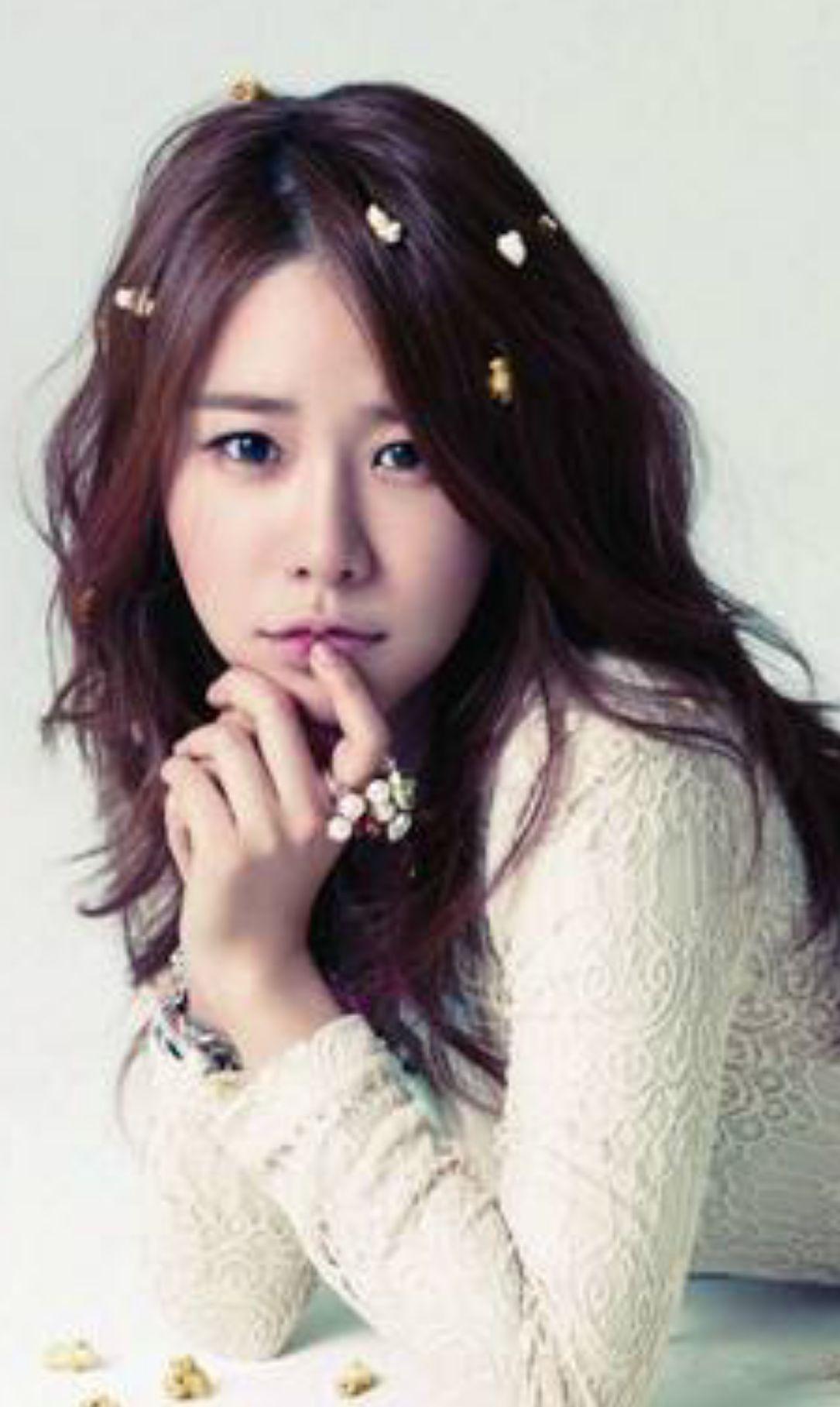 刘仁娜时尚唯美写真照,气质优雅,清新甜美