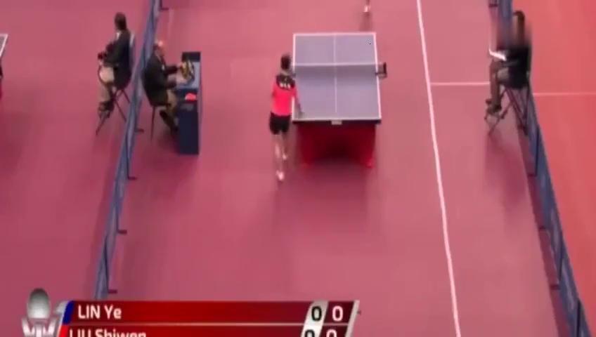 卡塔尔公开赛女单资格赛,刘诗雯VS新加坡选手林叶。