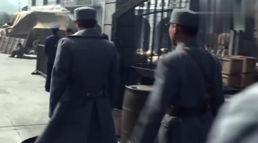 薛君山以权谋私,被顾清明发现,押送他去坐牢