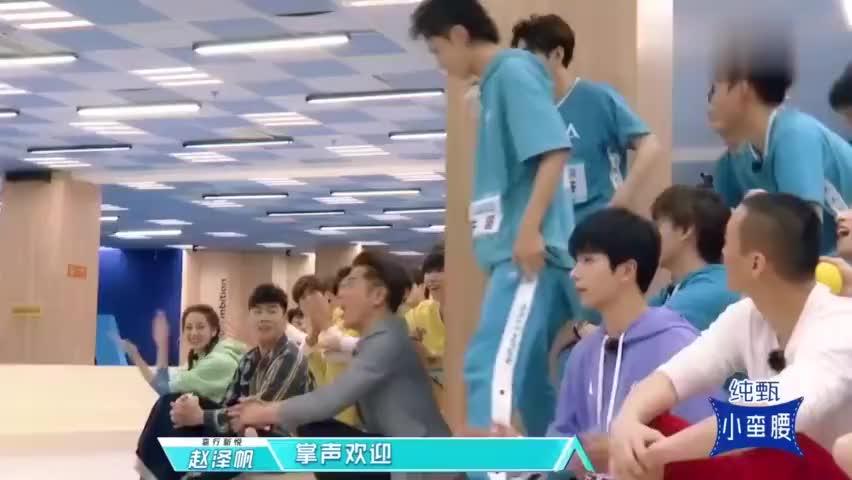 天王郭富城跳樱花舞,也太帅了吧!热巴一脸崇拜!