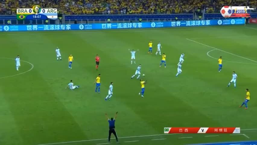 阿根廷这防守也是醉了!菲尔米诺助攻热苏斯破门,巴西队先下一城