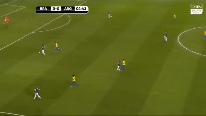 集锦-梅西主罚点球被扑出,跟进补射制胜,友谊赛阿根廷1-0巴西