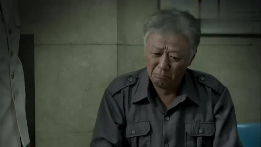 德福半辈子没掉过眼泪,怎料安杰昏迷住院,当孩子面就哭起来了!