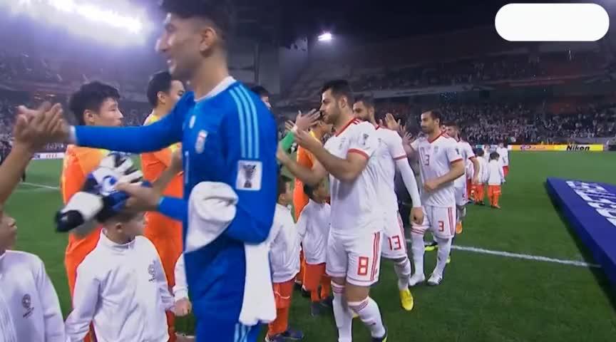 什么情况?国足赛前:冯潇霆接到伊朗队员小纸条!