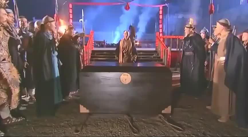 神雕杨过从天而降,没想十六年未见,郭靖才发现杨过就是神雕侠