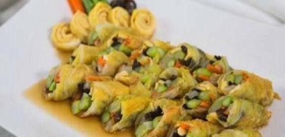 美食推荐:虾仁豆腐羹,芹菜炒猪肝,糖醋菜卷,双茄烩的做法图2