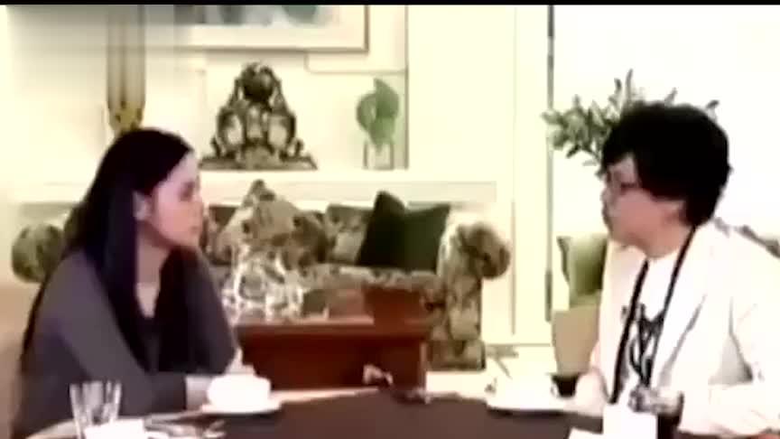 阿娇被问:陈冠希有和你道歉吗?她几度哽咽,眼眶湿润:没有