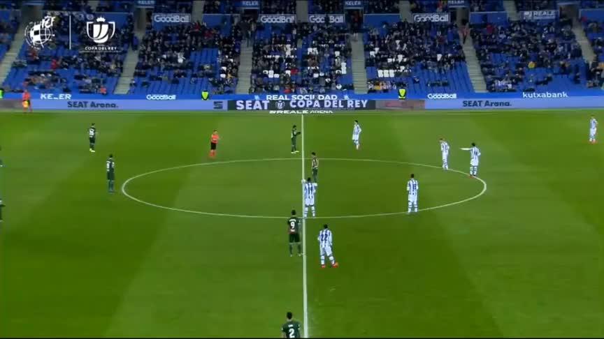 国王杯-武磊中横梁并踢满全场,西班牙人0-2遭皇家社会淘汰