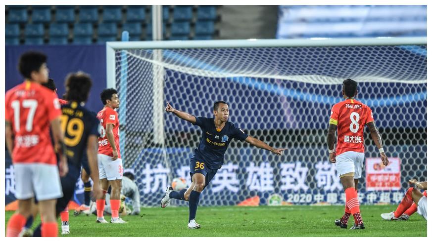 中超联赛第9轮,在国安对阵武汉的比赛中,张玉宁传射建功,发挥出色