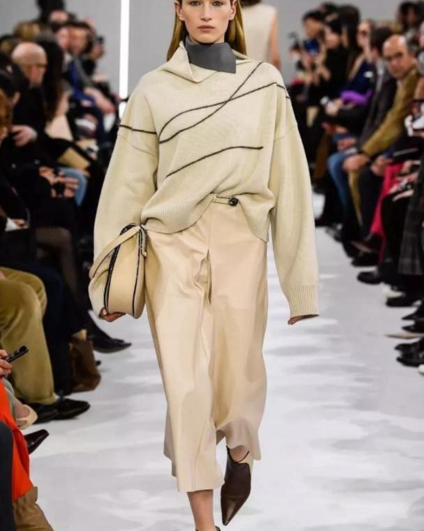 """双节过后,降温迟早会来!今年新出的""""羊绒衣"""",单穿内搭都好看"""