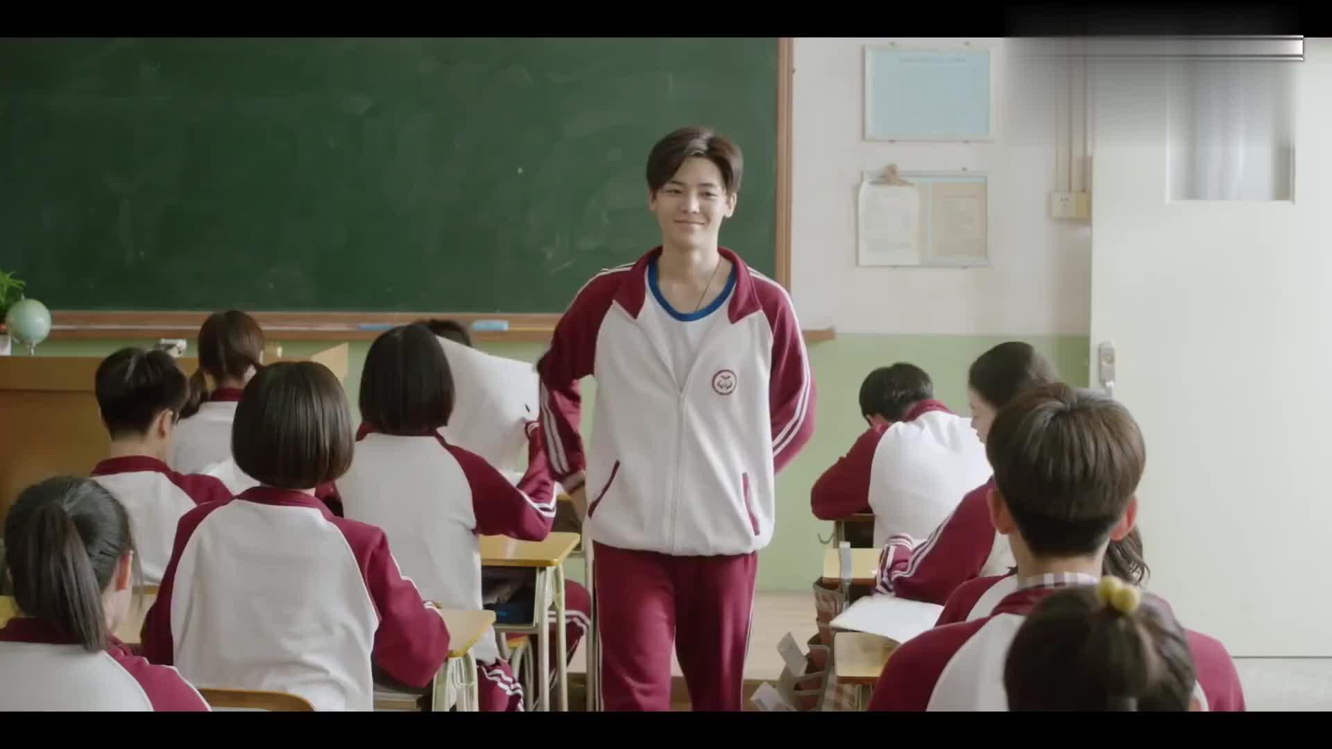 花彪成绩优秀,被老师选为监考员,看来杨夕作弊无望咯!
