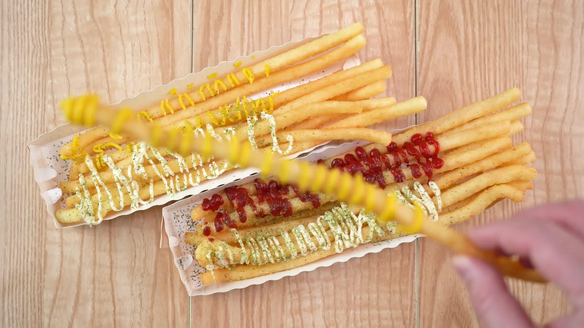春日美食家,如何将仅剩的土豆,做成30厘米超长的网红薯条?!!