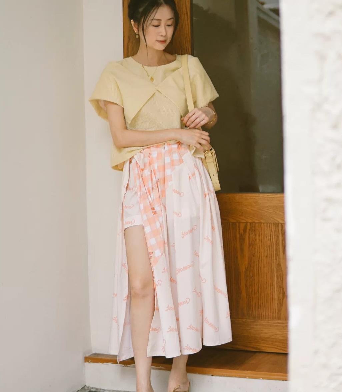 """女人不穿裙子也有气质,瞧今年流行的""""裙裤"""",遮肉百搭,还时髦"""