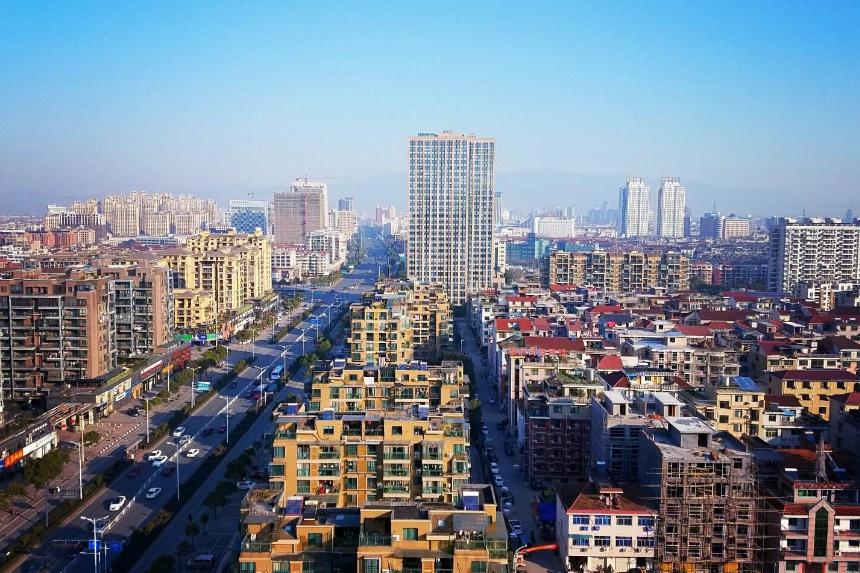 """浙江省一座实力县级市,由金华代管,被授予""""国家园林城市"""""""