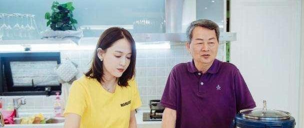 如果《女儿们的恋爱》又出了问题,陈乔恩不愿就会和男人嘉宾约会