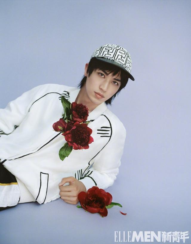 许魏洲最新时尚大片好日系,模仿花泽类的他文艺感满满,真的好帅