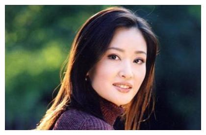 她曾红过宋丹丹,一年拒演50部戏,却因丑闻退圈,如今怎样了